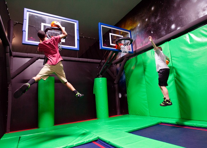 trampoliness park uk